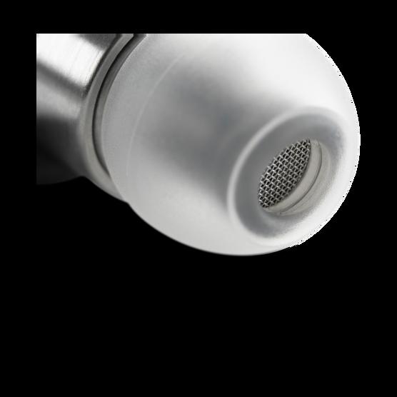 K3003 - Aluminum - Reference class 3-way earphones delivering AKG reference sound. - Detailshot 1